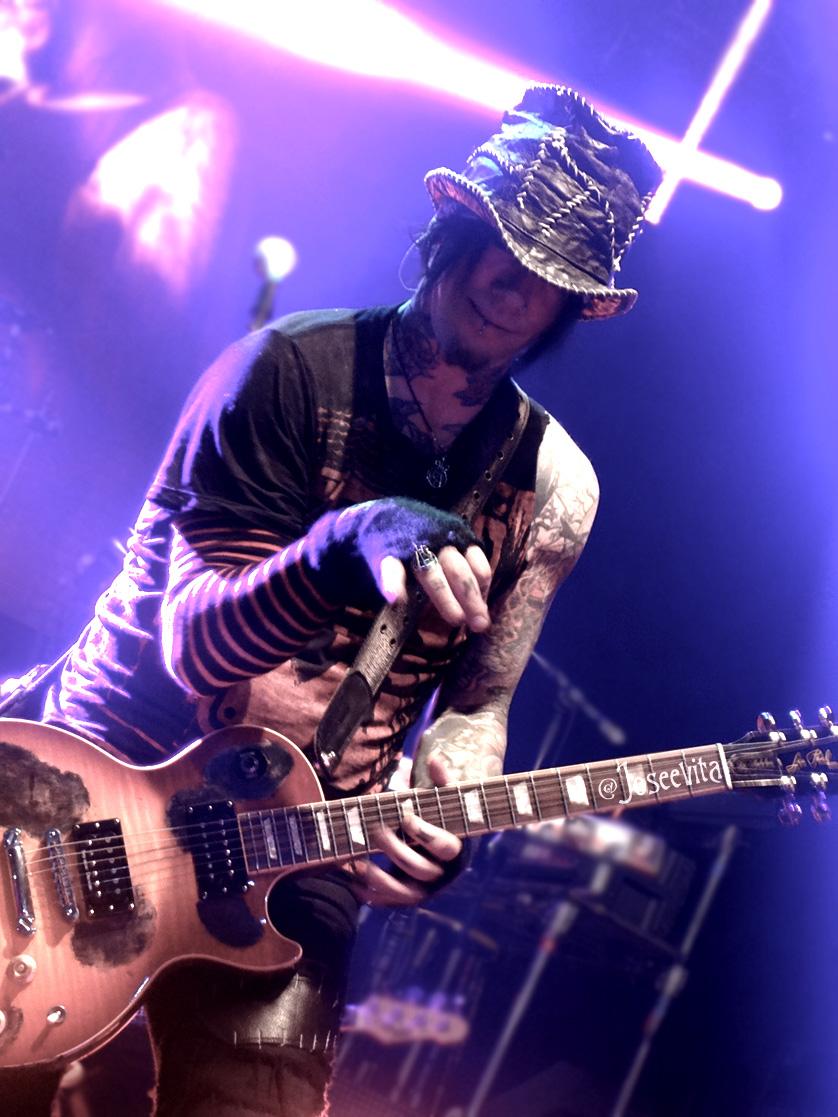 Guns N' Roses - Dj Ashba - Toronto