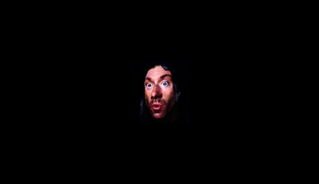 今さら訊けないウェス・ボーランド入門 怪奇な風貌で荒れ狂いながらヘヴィリフをかき鳴らす変態紳士